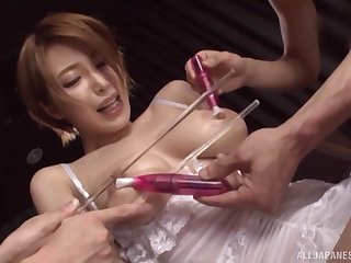 Leader Japanese bombshell Kimijima Mio rides two guys
