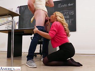 Right after nice BJ Tyler Faith spreads legs to be fucked on the table