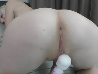Mary Monroe spreads her feet for the blow rhythm cum again with a unfamiliar