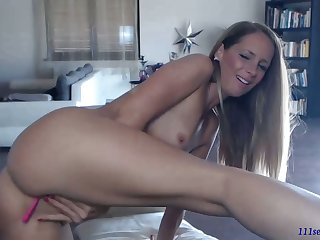 Second-rate pretty good MILF camgirl more vibratoy masturbated first of all webcam