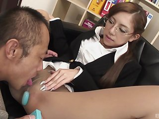 Japanese penman enjoys oral sex far her boss