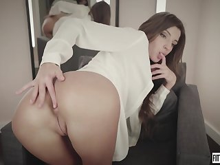 yammy nymph Melena Maria teases her asshole