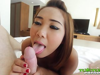 Amateur Thai girl Som is fucked away from hot blooded foreigner