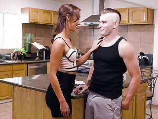 Fucking round the kitchen ends with a cumshot be expeditious for Christy Love