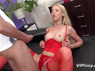 hot babe in red-hot stockings Lynna Nilsson peeing fetish
