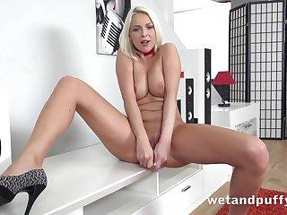 Carol Blonde in Lady In Red handy PuffyNetwork