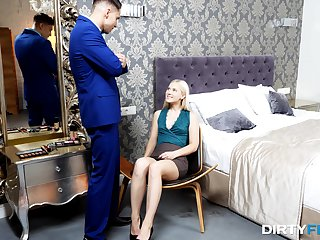 Young amateur bends more than all four be incumbent on the mischievous fuck in her life